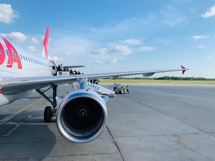 Drepturile pasagerilor in cazul intarzierii sau anularii zborului